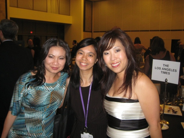 From L-R: Convention co-chairs Leezel Trang Ho and Leezel Tanglao, and AAJA-LA President Jinah Kim